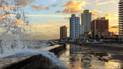 Malecón, sunrise, Bahia de la Habana