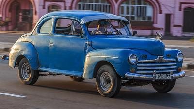 Ford Club Coupé 1946 on the Malécon