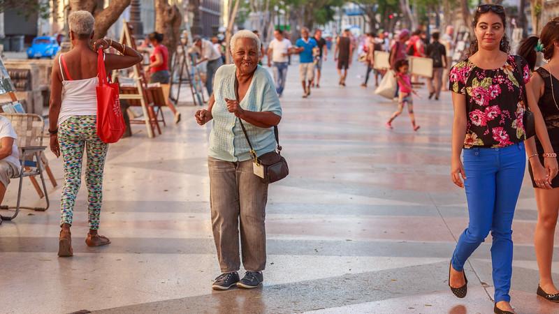 Paseo del Prado/de Martí, arts fair, dancing woman, people