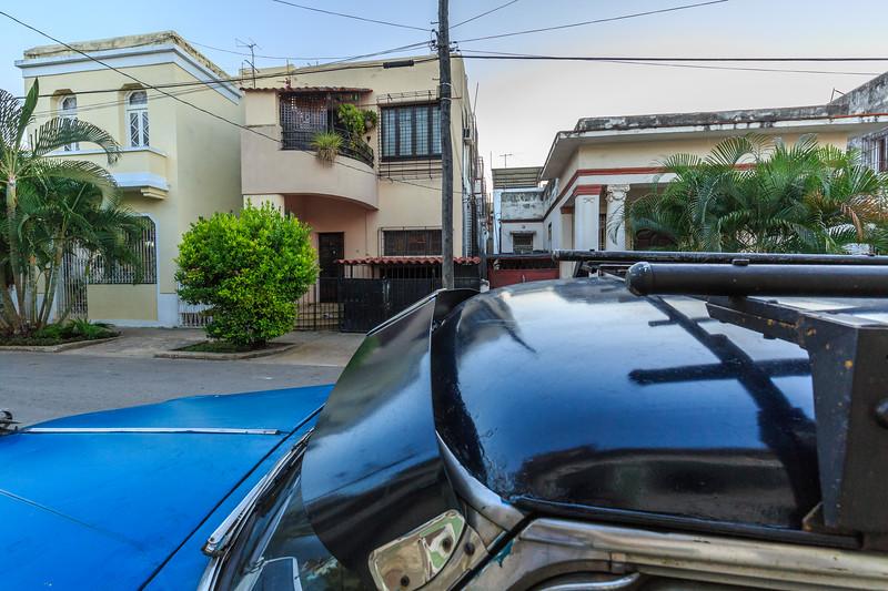 Vedado (Havanna) am Morgen, car