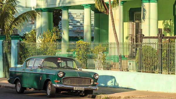 Vedado, Havana, car