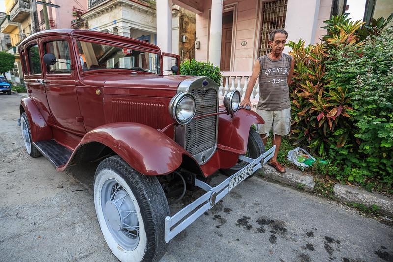 José-Louis` amerikascher Ford von 1931, Vedado (Havanna) am Morgen, car