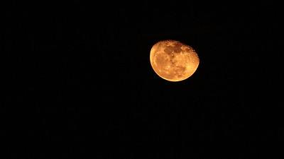 Moon, Night skies over Havana
