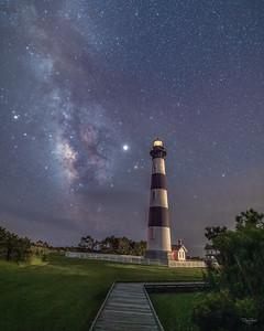 Made from 8 light frames by Starry Landscape Stacker 1.8.0.  Algorithm: Min Horizon Star Dupe