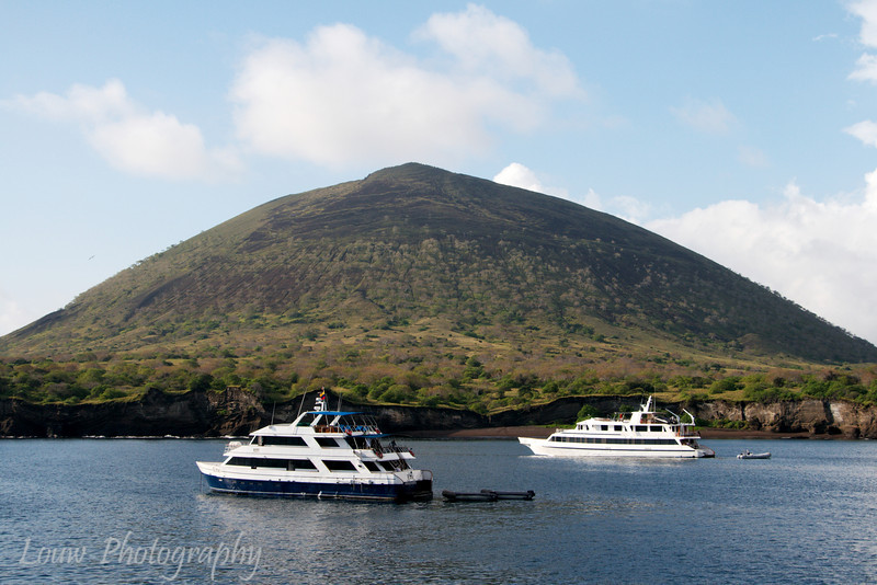 "Santiago, <a target=""NEWWIN"" href=""http://en.wikipedia.org/wiki/Gal%C3%A1pagos_Islands"">Galápagos Islands</a>"