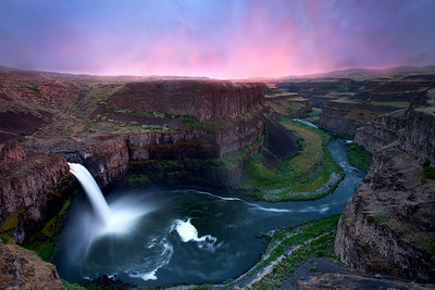 Palouse falls in full-flow during sunset  Location: Palouse State park, Washington, USA