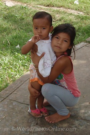 Amazon River - Village of Cedro Isla - Kids 3