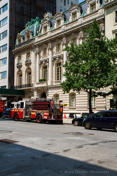 FDNY Engine 39 in front of a beautifully ornate building off Madison Ave - We had lunch from the spot this image was taken from.