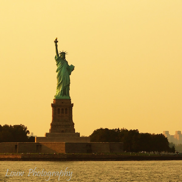 "<a href=""http://en.wikipedia.org/wiki/Statue_of_Liberty"" target=""NEWWIN"">Statue of Liberty</a>, Liberty Island, New York, NY"