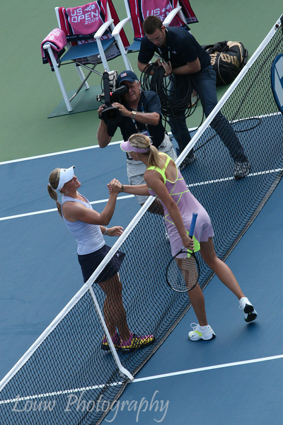 Melanie Oudin shakes hands with Maria Sharapova.  2009 U.S. Open Round 3. September 5, 2009.