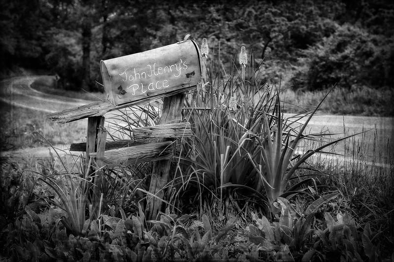 Mailbox; John Henry's Place; Virginia; USA