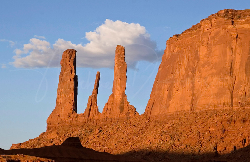 Three Sisters -  Monument Valley 2493 w21