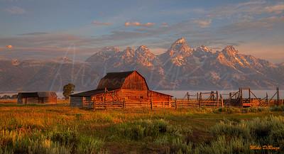 Mormon Barn Sunrise 1143 w51