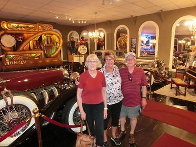 Bilmuseum med John och Louise