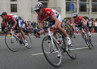IMG_4039 Davitamon- Lotto riders chasing down the break