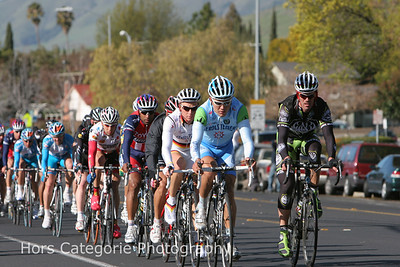 4812 Cipollini leads the pack home at 10K to go