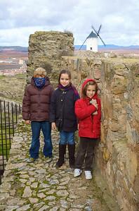 Aunque no hubo función, la visita al castillo no estuvo mal. Además sirvió para estirar las piernas.