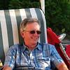 Jean qui, lui aussi, profite du bon temps et enfin de l'été