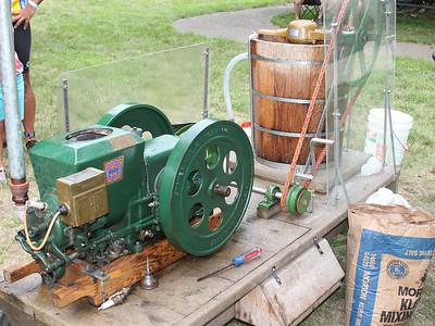 Amish homemade ice cream maker