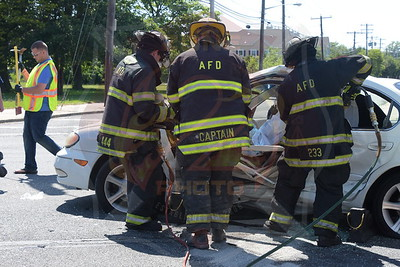 Amityville F.D. MVA w/ Entrapment  Louden Ave. and Broadway 6/18/16