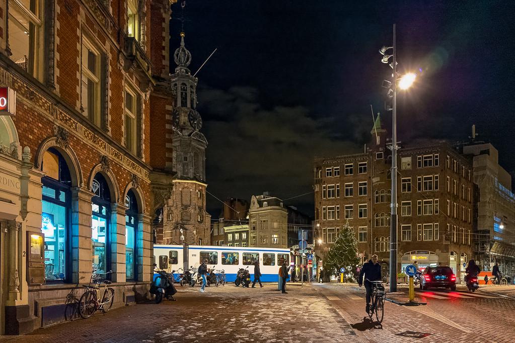 Späte Strassenbahn am Muntplein