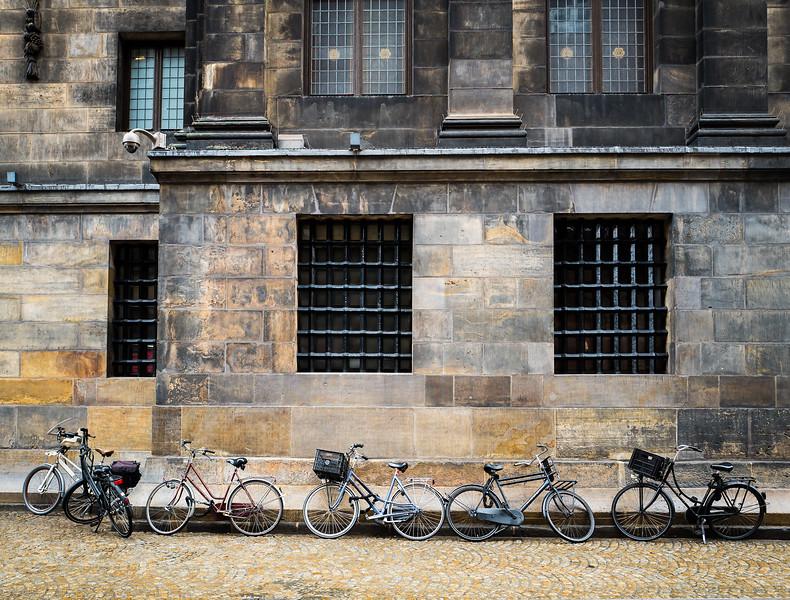 Hinter dem Rathaus