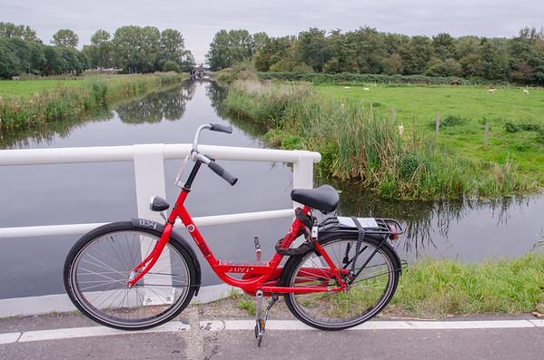 Biking through the Waterland, north of Amsterdam