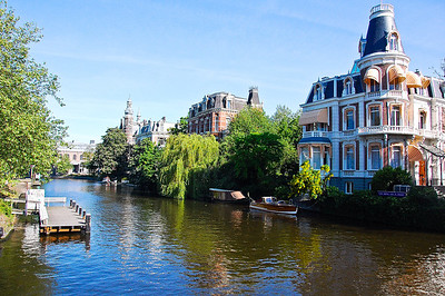 amsterdam-canal-homes