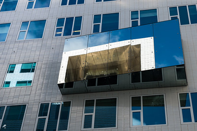 Reflections of Paleis van Justitie