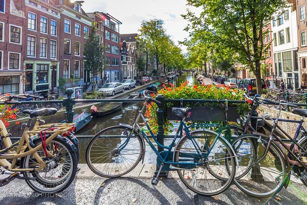 The Egelantiersgracht canal