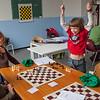 Nederland, Amsterdam, 9 april 2009, schaakcursus voor kinderen in buurthuis de Meervaart, Indische Buurt, foto: Katrien Mulder