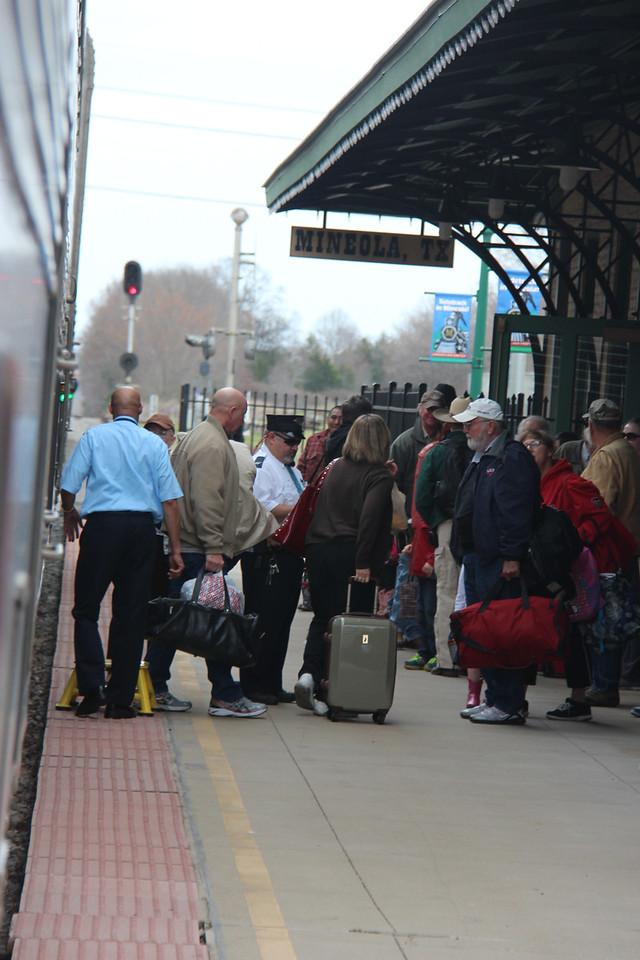 Passengers boarding #21 at Mineola, TX.