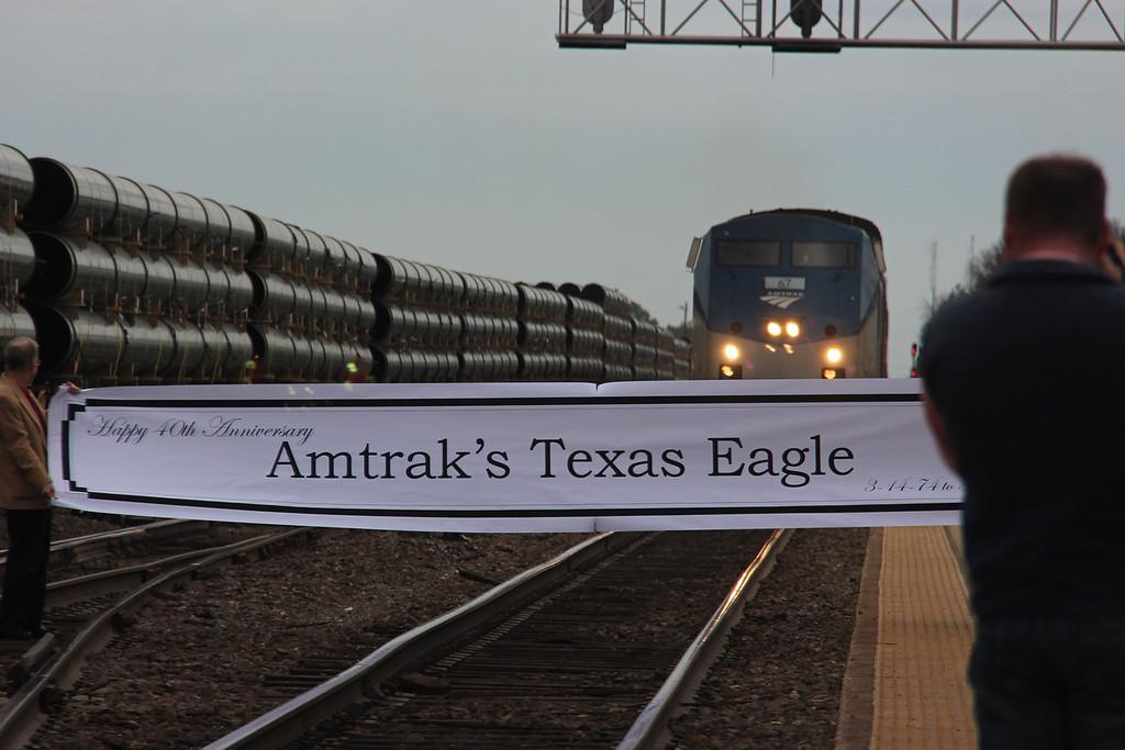 Engineer Velida Breakfield brings #21 into the Longview Depot, edging toward the Banner.
