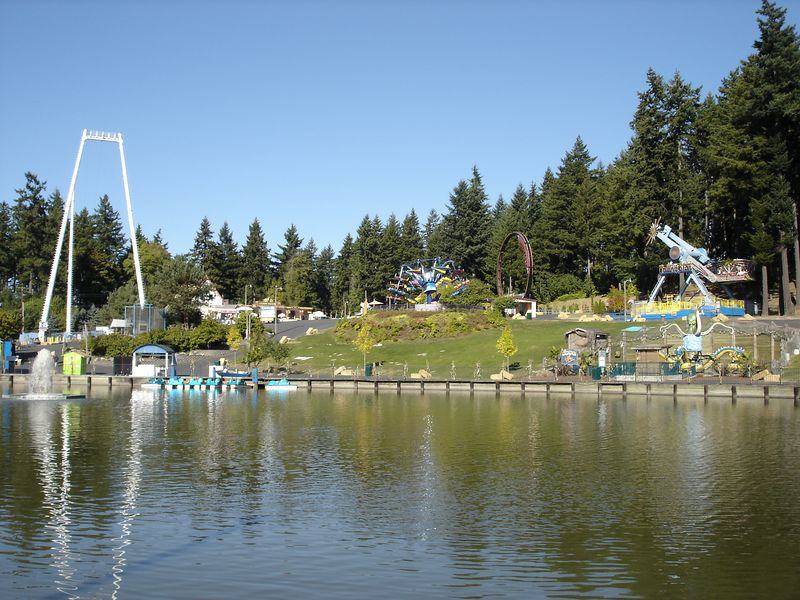Enchanted Village looking across the lake you can see the Skycoaster, Flyaway, Superloop, Falling Star, & Octopus.
