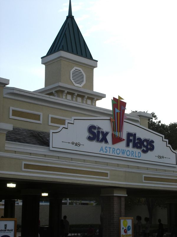 The entrance gate to Six Flags Astroworld.