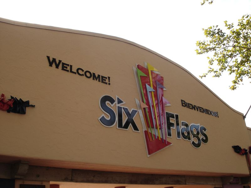 The entrance gates to Six Flags Fiesta Texas