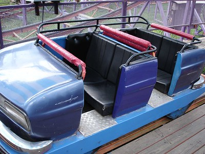 Classic Schwarzkopf rolling stock.  Note the duct tape action on the restraints.