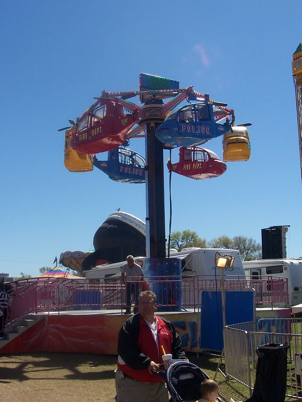 kiddie helicopter ride