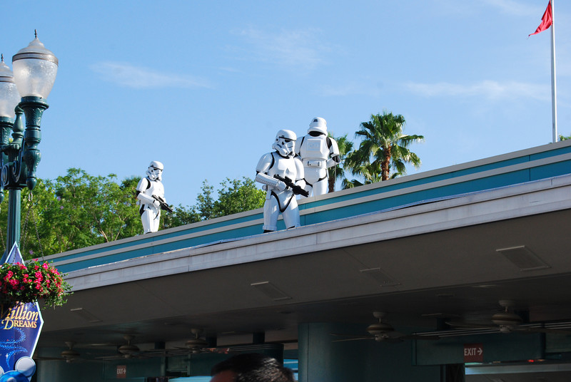 More stormtroopers over the gate