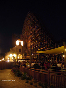 El Toro at night.