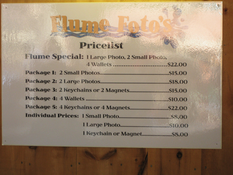 """Flume Fotos price list. I note that """"Foto's"""" is mis-punctuated on this price list, even though the mistake was corrected on the building's sign."""