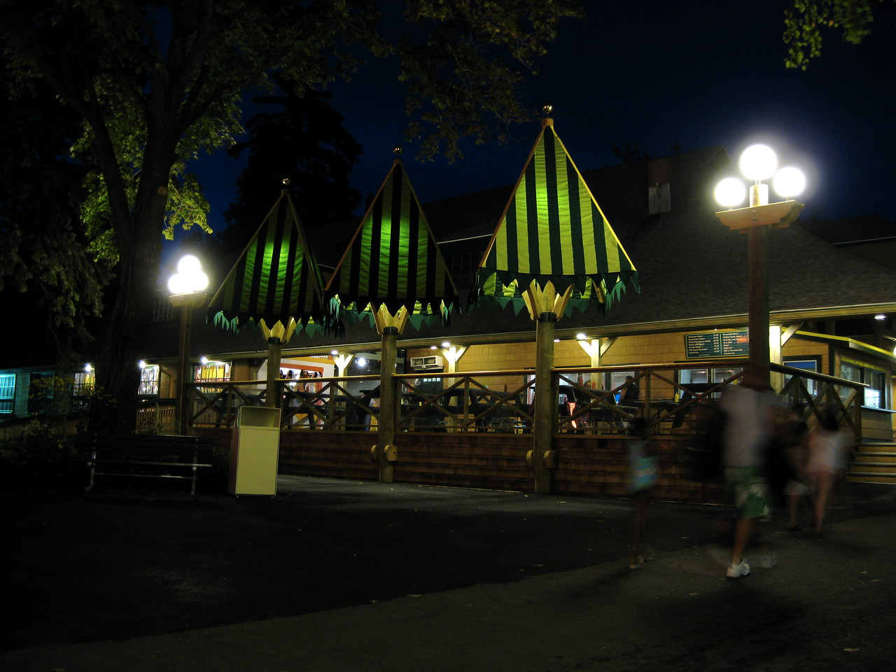 The Jackpot Casino food stand at night.