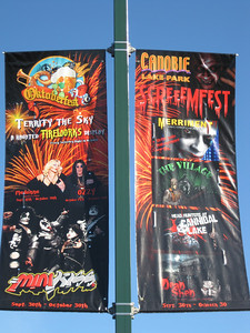 Screeemfest banners.