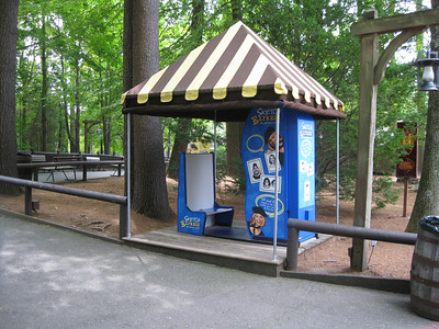 A photo booth in the Olde Canobie Village area. It replaced a water vending machine.