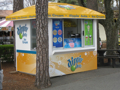Dippin Dots stand.