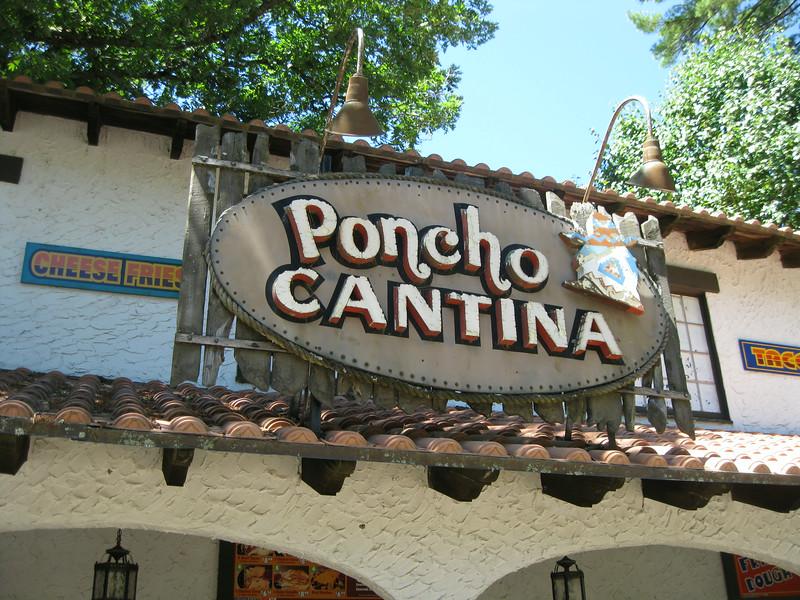 Poncho Cantina.