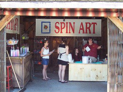 There's a new Spin Art concession next to Lumberjack Ice Cream.