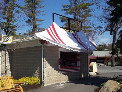 The new Fried Dough stand was built into the side of the Trellis building.
