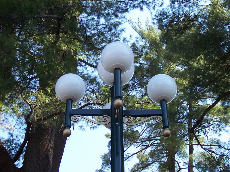 The new lights, replacing the old World's Fair lights.