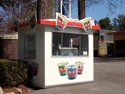 "So much for the ""ice cream of the future"". This is the main Mini-Melts stand at Canobie."